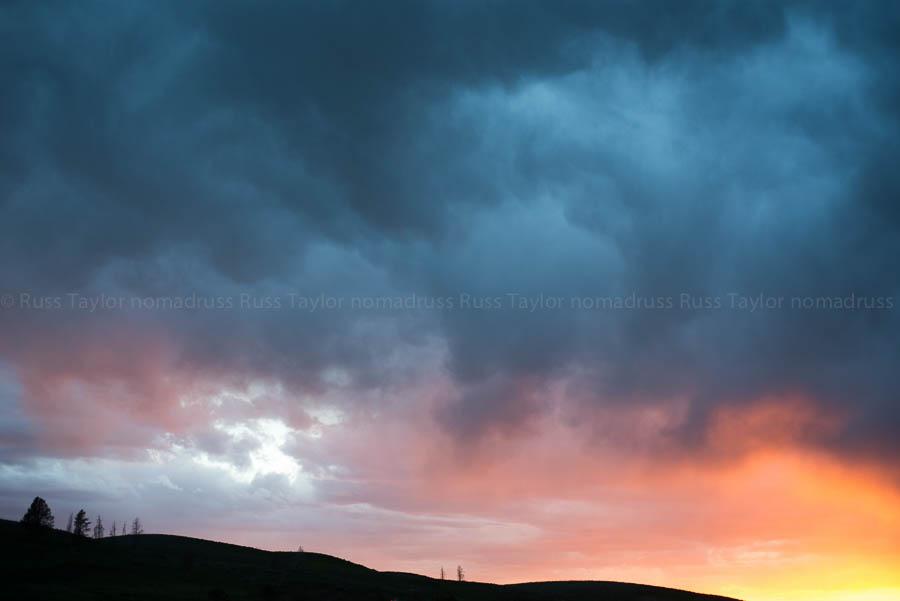 The last light of day, Hayden Valley